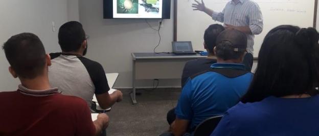 Universidade Nilton Lins e Rancho ING Ferradurinha promovem curso de Inseminação Artificial em Bovinos.